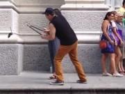 """Video Clip Cười - Clip hài: Thanh niên """"lầy lội"""" làm loạn trên phố"""