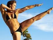 Làm đẹp - Quá stress? Một vài động tác yoga này hẳn là thần dược!