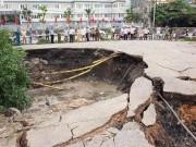 """Tin tức trong ngày - Hé lộ nguyên nhân xuất hiện """"hố tử thần"""" 100m² ở Quảng Ninh"""