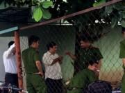 An ninh Xã hội - Vợ say rượu, chồng đâm chết rồi ôm dao cố thủ trong nhà