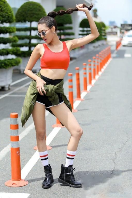Sau The Face, Lan Khuê lại hút fan với Miss thời trang
