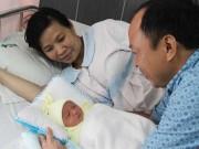 Sức khỏe đời sống - Mổ lấy thai 3,2 kg cùng khối u nặng gần 6 kg