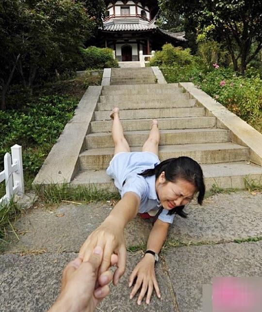 "chang trai loi ban gai le let khap the gian gay ""bao"" - 3"