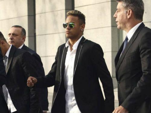 NÓNG: Barca gian lận, Neymar chính thức hầu tòa