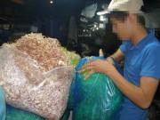 """Thị trường - Tiêu dùng - Rau muống, bắp chuối """"ăn"""" hóa chất"""