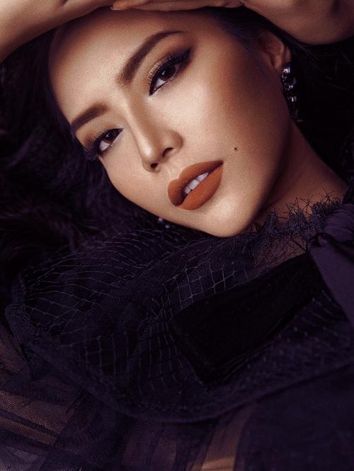 Hút mắt với nhan sắc quyến rũ của Giải bạc siêu mẫu 2015