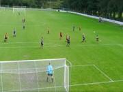 Bóng đá - Cầu thủ nghiệp dư tái hiện siêu phẩm của Ibra