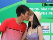"""Thể thao - Hoàng Thiên được hot girl """"thưởng nóng"""" sau vô địch Men's Futures"""