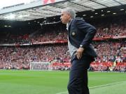 """Bóng đá - MU thắng đậm, Mourinho """"xoa dịu"""" Rooney"""