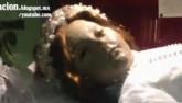 Hết hồn xác chết của vị thánh 300 tuổi bỗng dưng mở mắt