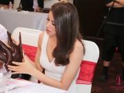 Thời trang - Phạm Hương chọn quốc phục cho đại diện VN ở HH Hoàn vũ