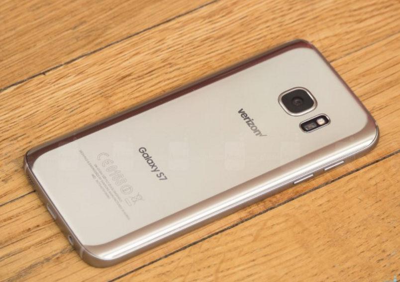 Top smartphone tốt nhất bạn có thể mua trong tháng 9 - 3