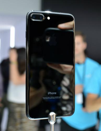 Top smartphone tốt nhất bạn có thể mua trong tháng 9 - 8