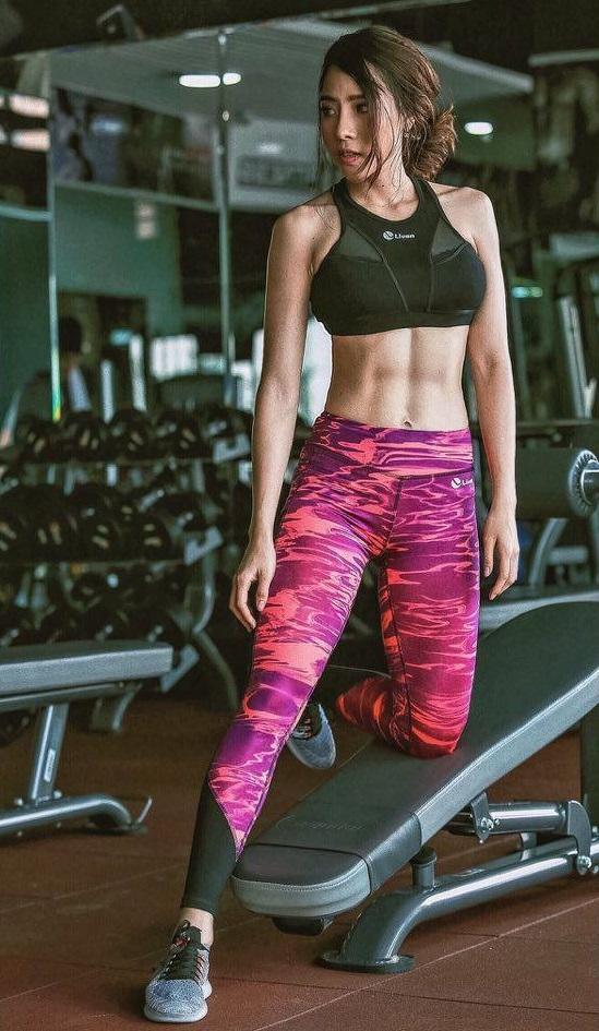 Hot girl phòng gym khiến vạn người mê nhờ giảm 27kg - 2