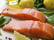 Tin tức trong ngày - Chuyên gia bác tin ăn cá hồi nuôi bị ung thư
