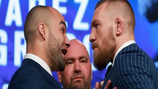 """""""Gã điên"""" nóng mắt tắt nụ cười với nhà vô địch UFC"""