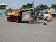 Tin tức trong ngày - HN: Xe ba bánh tiếp tục gây họa, 2 người bị thương nặng