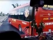"""Tin tức trong ngày - Xử lý 2 xe khách """"vờn nhau"""", khiến hành khách khóc thét"""