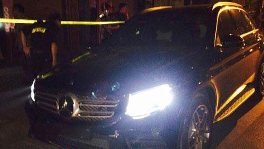 HN: Mercedes không biển rú ga chạy trốn 141 như phim