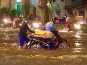 """Tin tức trong ngày - Vì sao """"Sài Gòn thất thủ"""" sau trận mưa lịch sử?"""