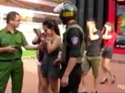 """Video An ninh - Trăm cảnh sát đột kích """"động lắc"""" của dân chơi đất Cảng"""