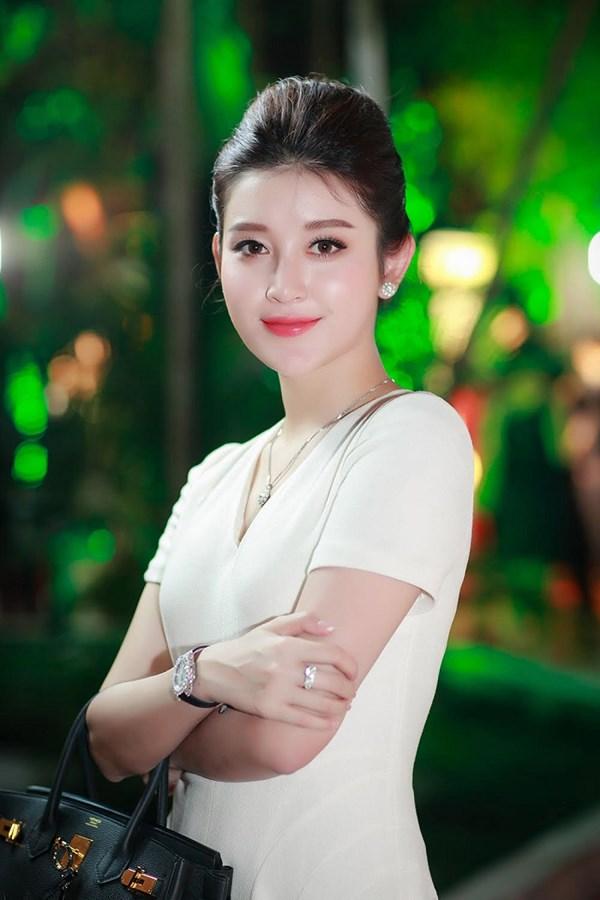 Choáng với đồng hồ kim cương tiền tỷ của giai nhân Việt - 5