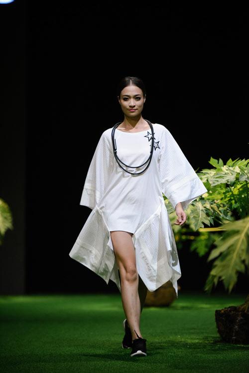 Sắc xanh tràn ngập Tuần lễ Thời trang Việt Nam 2017 - 6