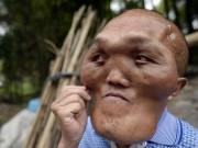 """Phi thường - kỳ quặc - Bị nhầm là """"người ngoài hành tinh"""" vì khuôn mặt kỳ dị"""