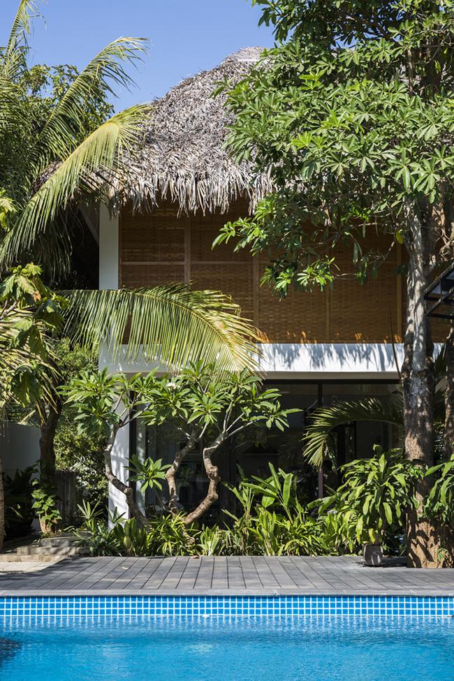 Ngôi nhà tuyệt đẹp được báo Tây hết lời khen ngợi này nằm trên một mảnh đất khá rộng ở tỉnh Trà Vinh.