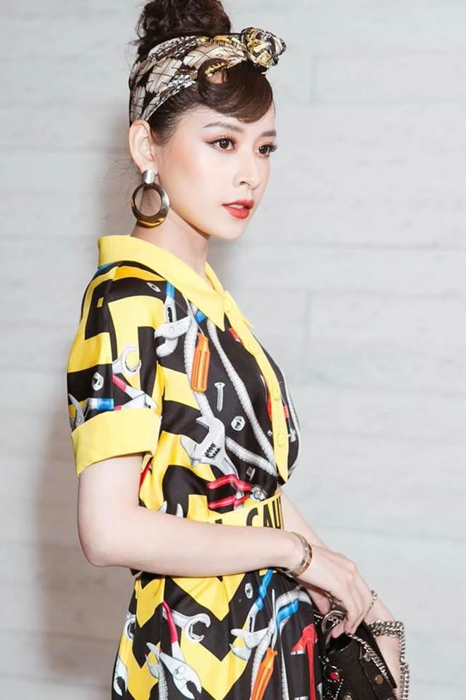 """Chi Pu """"đụng hàng"""" Phạm Hương, ai mặc đẹp hơn? - 5"""