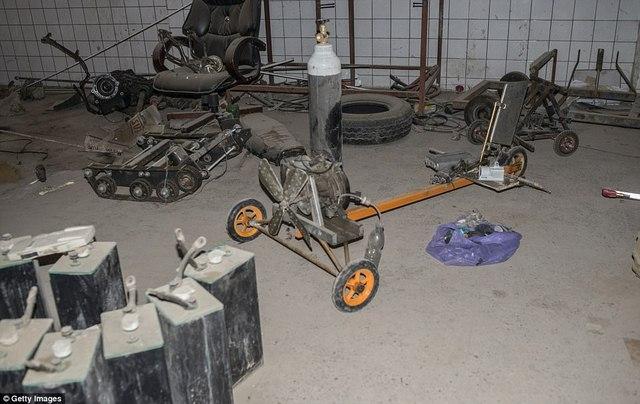 """Thâm nhập """"nhà máy"""" vũ khí tự chế của khủng bố IS - 3"""