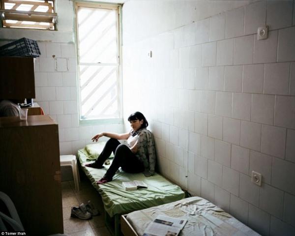 Khám phá nhà tù dành riêng cho nữ giới ở Israel - 2