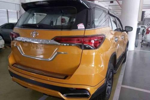 Biến Toyota Fortuner thành 'xế sang' Lexus chỉ với 70 triệu đồng - 4