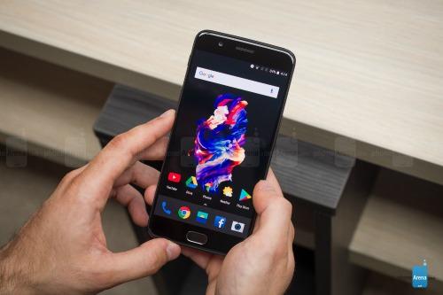 """Loạt smartphone cao cấp đã được """"trình làng"""" đầu năm 2017 - 4"""