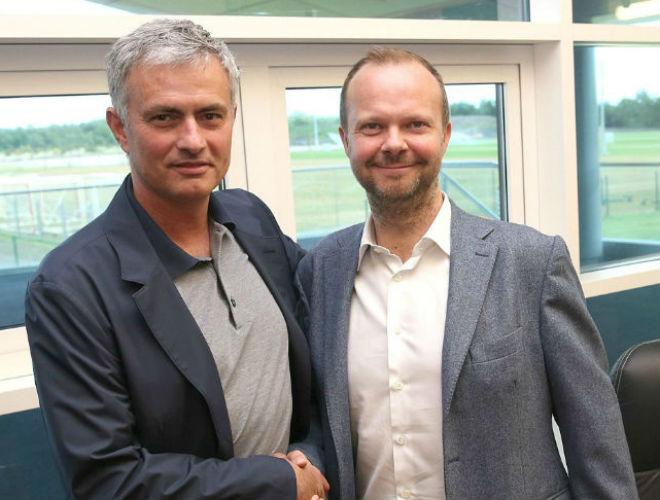 """Chuyển nhượng hè: MU chậm chạp, Mourinho """"nổi cáu"""" - 2"""