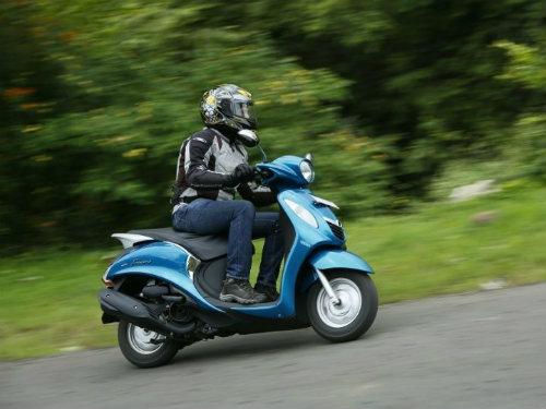 Xe máy Yamaha giảm giá trên diện rộng - 1