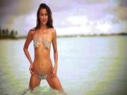 """Đây là lý do Irina Shayk xứng danh  """" nữ thần bikini """" !"""