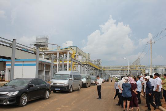 Nhà máy Alumin Nhân Cơ phát tán bột trắng - 1