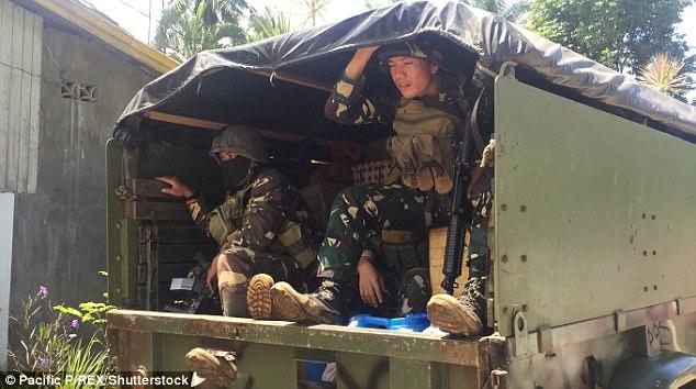 Philippines: IS ép con tin tìm kho báu, thu về 227 tỷ đồng - 2