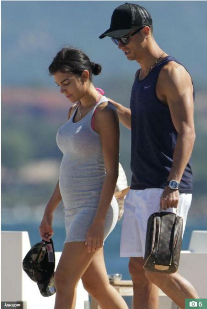 """Ronaldo dính nghi án tình tay ba với siêu mẫu, """"hẹn hò"""" trai đẹp - 6"""