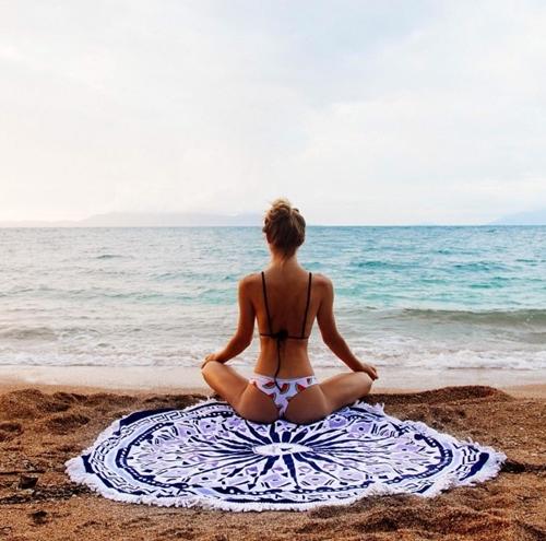 Mỹ nhân kiếm tiền khủng vì chuyên mặc mát mẻ tập yoga - 11