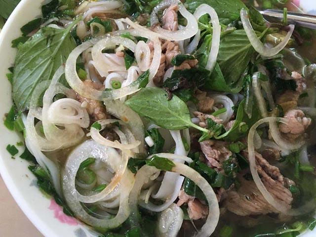 10 món ăn đường phố Việt Nam được báo nước ngoài hết mực ca ngợi
