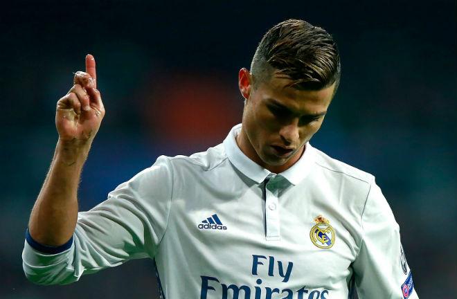 """Ronaldo ảo tưởng sức mạnh: """"Ông trùm"""" Real ra tay dẹp loạn"""