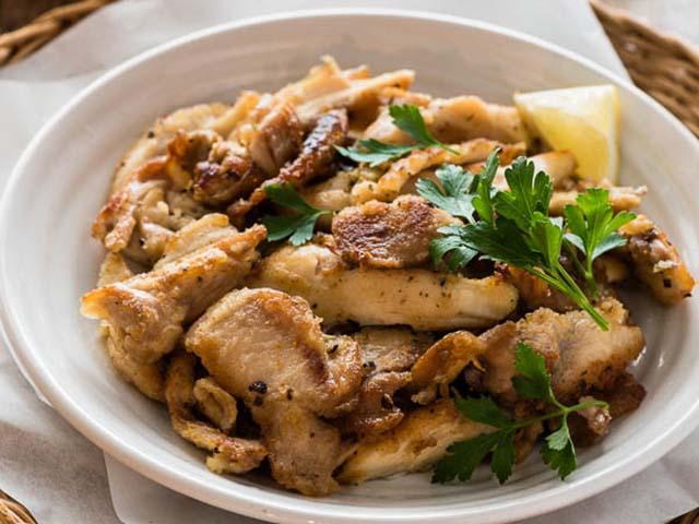Những cách hô biến thịt gà còn thừa thành món ngon tuyệt vời