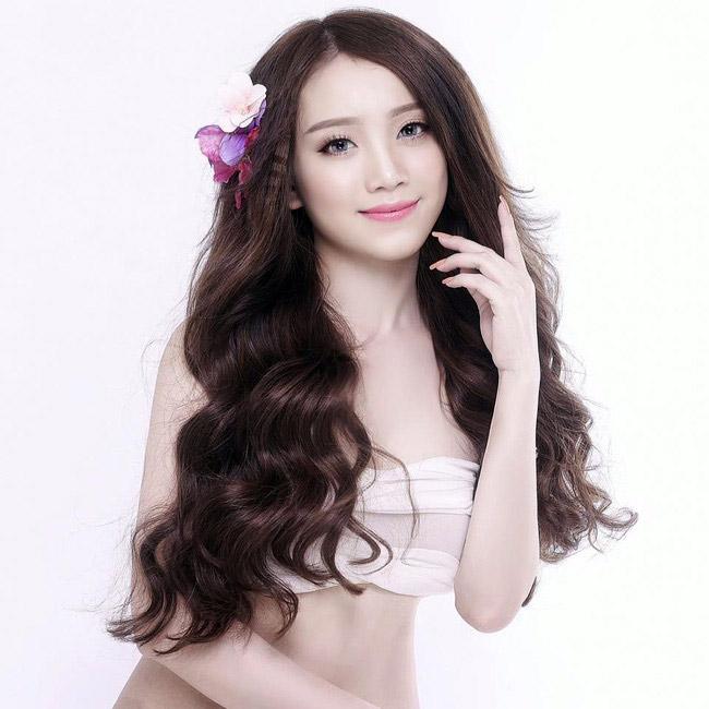 """Văn Thanh vượt Công Phượng: """"Doping"""" từ bạn gái hotgirl - 3"""