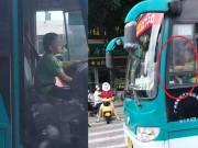 Bạn trẻ - Cuộc sống - Choáng với cậu bé 9 tuổi lái xe buýt chạy khắp phố
