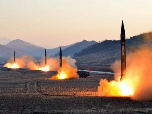 """Tên lửa Triều Tiên mới bắn là loại """"chưa từng thấy"""""""