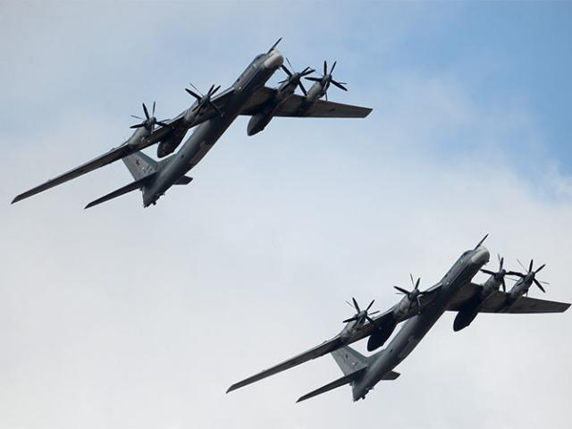 Máy bay ném bom Nga nã tên lửa hành trình mới nhất vào IS