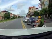 """Tin tức trong ngày - CA thông tin về clip CSGT đuổi xe taxi như phim """"Fast and furious"""""""
