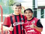 Công Vinh truyền  bí kíp  cho  Messi Thái Lan  ở Nhật